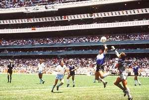 """Diego Maradona y la denominada """"Mano de Dios"""""""