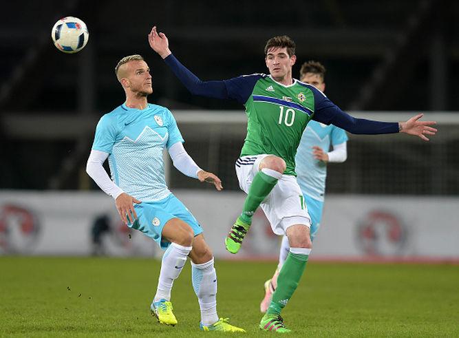 Accion-partido-Irlanda-Norte-Eslovenia_6228855