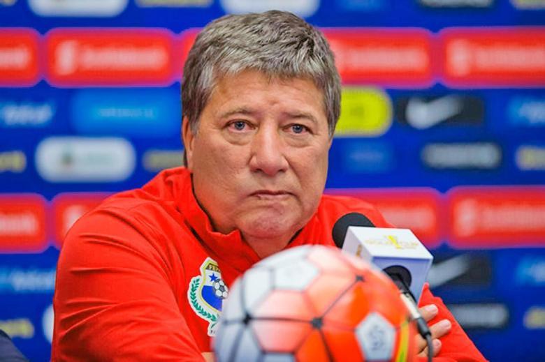 Hernán-Darío-Gómez-sillon-tecnico-tecnico-de-panama-futbol-soccer-mexico-tri-toluca-molesto