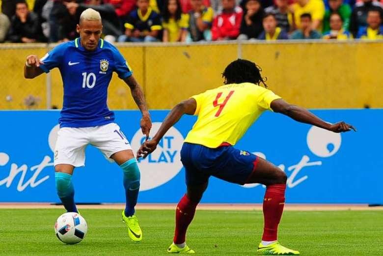 Neymar-tiro-lindo-lujo-Ecuador_OLEIMA20160901_0201_28