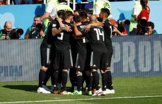 celebracion-argentina-gol-kun-aguero